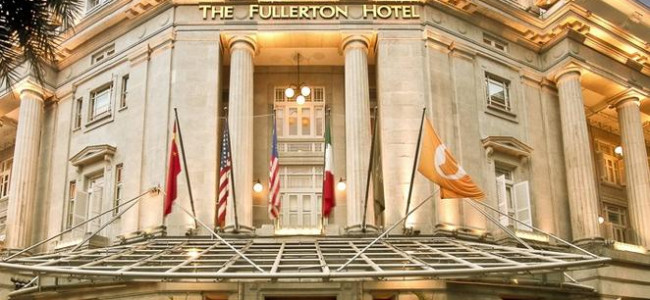 The Fullerton Hotel in Singapore combines luxury and history