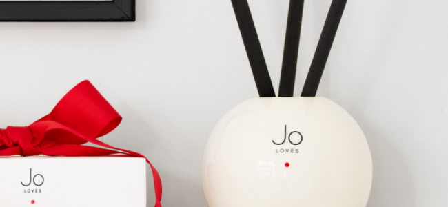 Jo Loves brings us the perfect Christmas scent in a diffuser