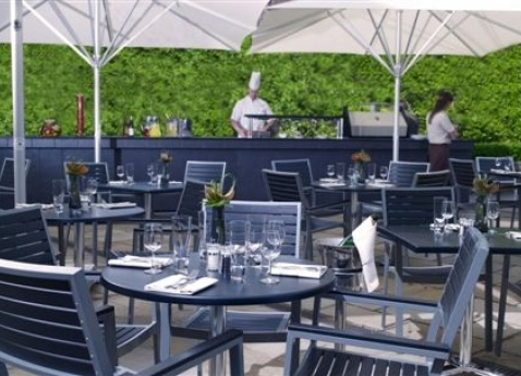 The Terrace at the Jumeirah Lowndes Hotel is perfect for al fresco dining