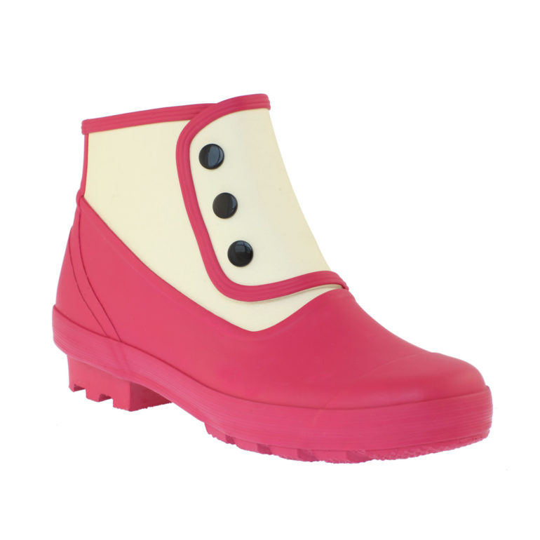Don;t miss our reader discount on the Welly Shop 's rubber spats