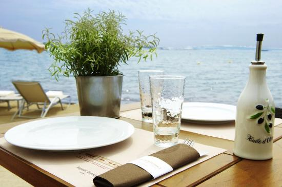 Lunch by the sea at Majestic Barrière