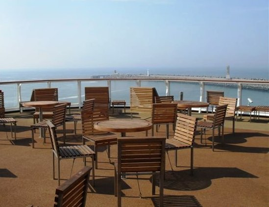 The P&O Ferries Club Lounge offers access to a private deck