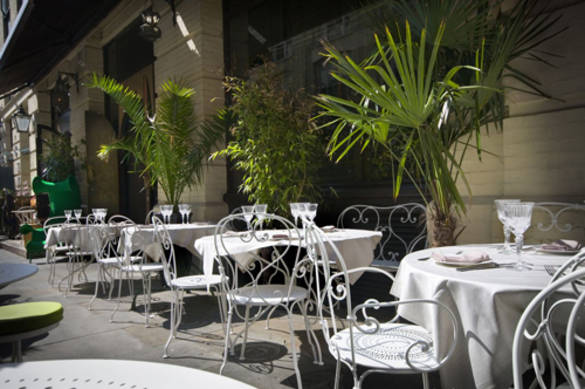 The terrace has been re-vamped at Momo and is a beautiful spot just off Regent Street