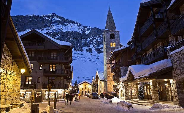 skiing in the french resort of val d isere. Black Bedroom Furniture Sets. Home Design Ideas