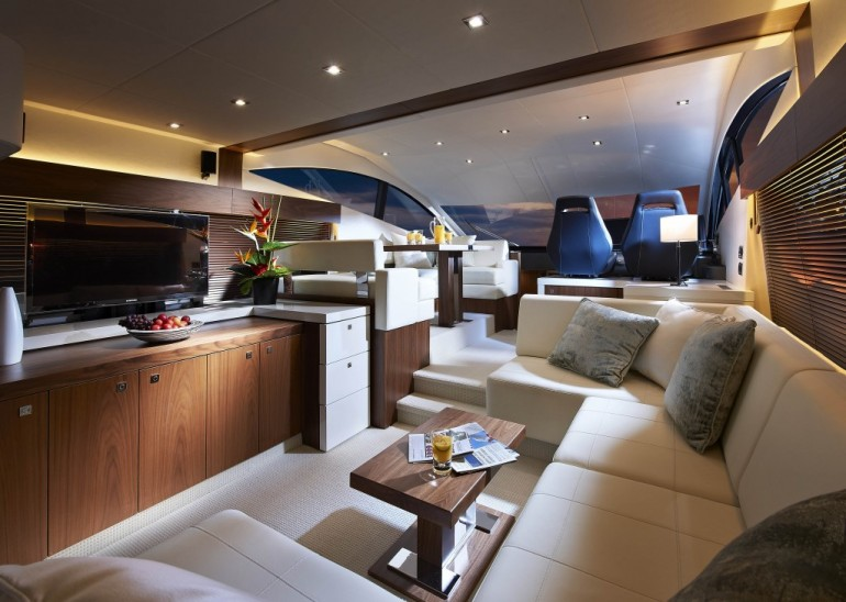 A luxury yacht means you can enjoy luxury while on the move