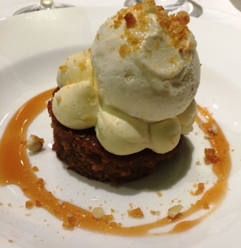 Spiced apple sponge for dessert