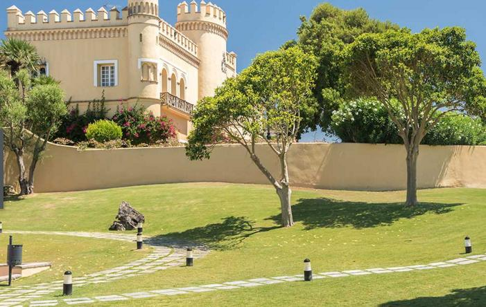 A golfing getaway in the spanish sunshine at the for Hotel montecastillo golf