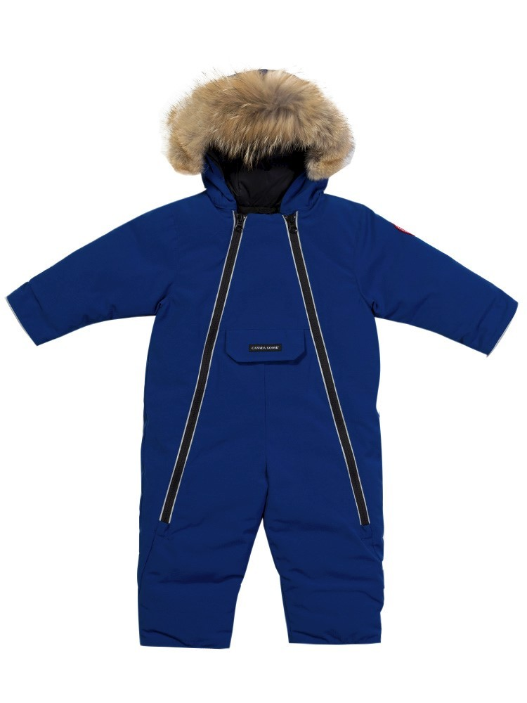 SKiing with a baby: The ski suit